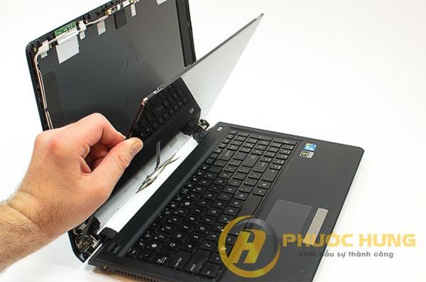 thay-man-hinh-laptop-quang-ngai